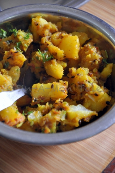 one of the best aloo jeera's I have had in some time. Rightly spiced and wasn't floating in oil the way you usually find it in indian joints mostly