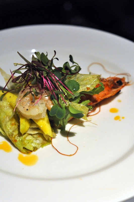 Shrimp and Raw Mango salad with a soy chilli dressing - impeccably cooked shrimp, very well balanced sauce but somehow the salad wasn't coming together till one of us asked for some extra sauce and bingo it all fell in place. So order the salad with extra sauce and enjoy